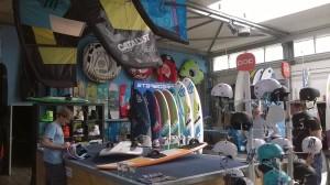 bij gebrek aan wind, vandaag in de shop overleg